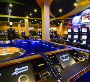 cambodia gambling boom - Queenco Hotel and casino