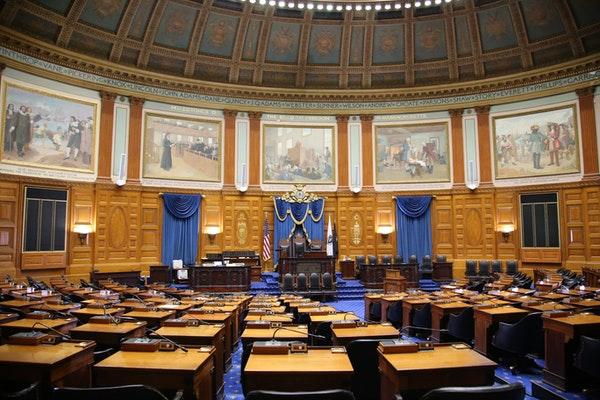 Massachusetts Legislators Review Proposed Retail and Sportsbook Software Bills